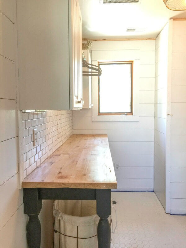 The Perfect DIY Laundry Folding Table