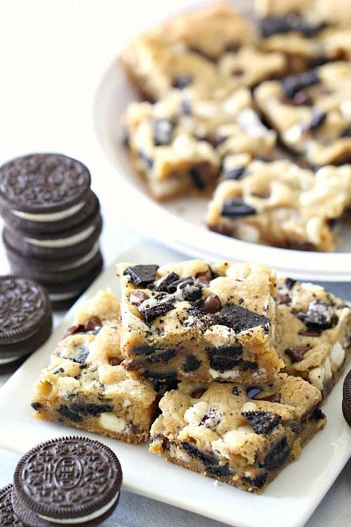 Cookies and Cream Oreo Blondies