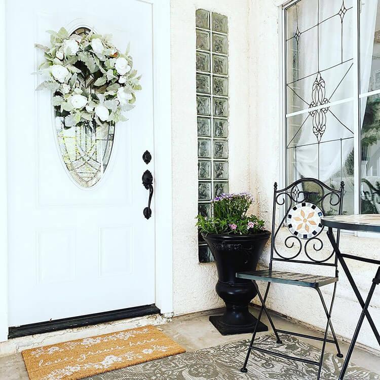 simple front door decor