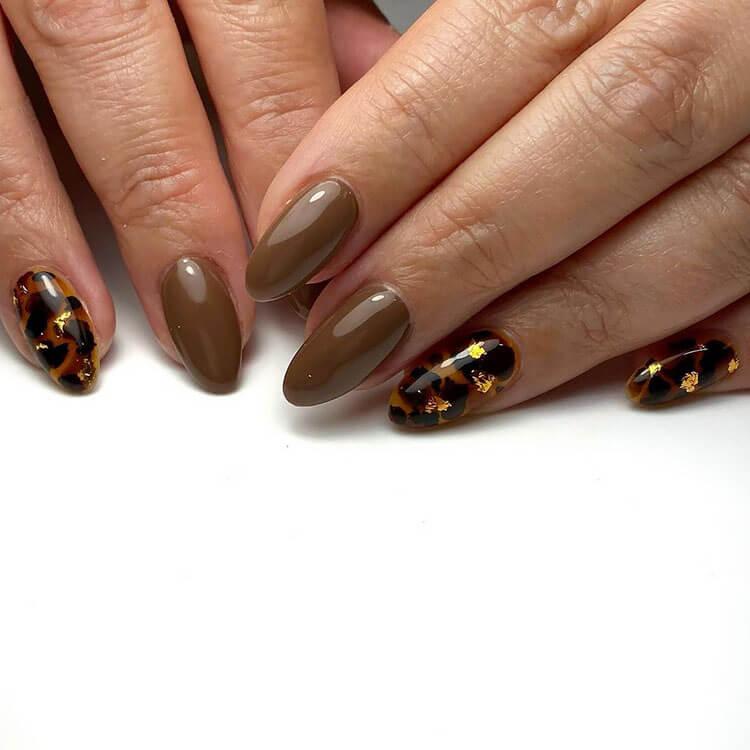 leopard glitter nails