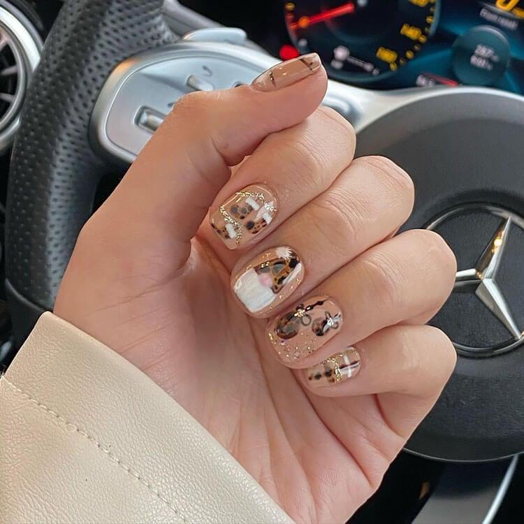 brown christmas nails