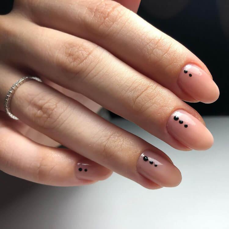 minimalist gel nails