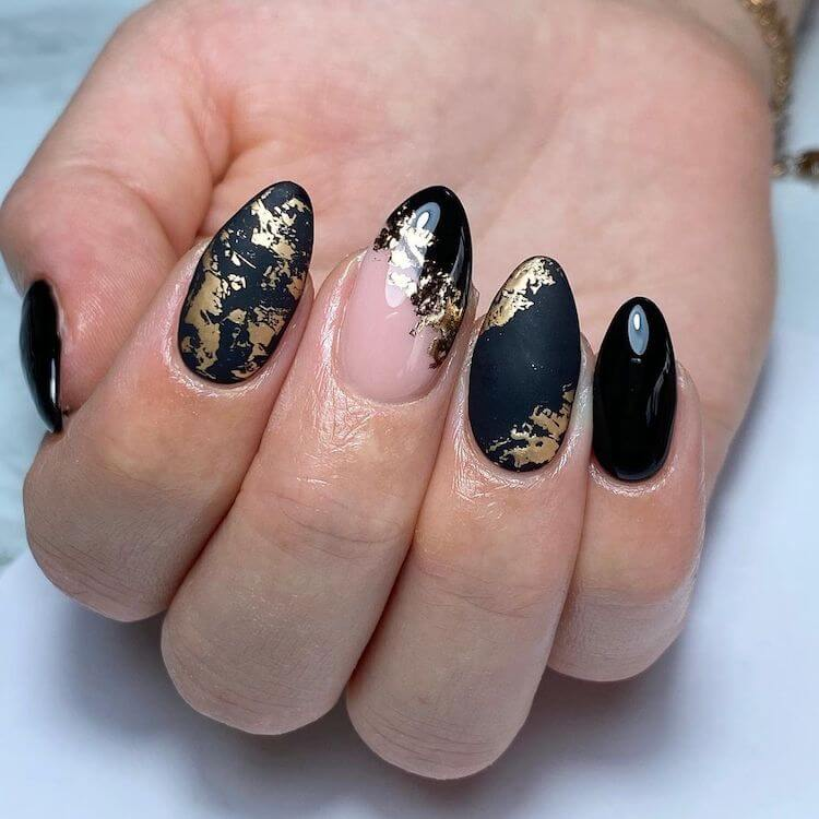 matte and glossy black nails