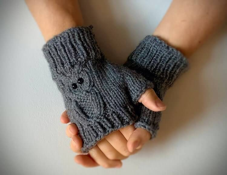 Fingerless Gloves with Cable Owls